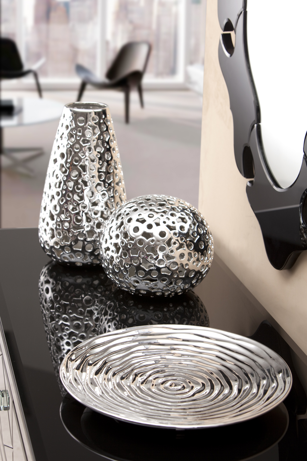 Design inspiration decorative accent pieces real life for Modern home accents accessories